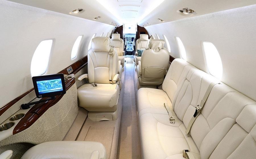 При необходимости кресла в Cessna Citation Sovereign могут быть трансформированы в 4 спальных места посредством джет-бедов