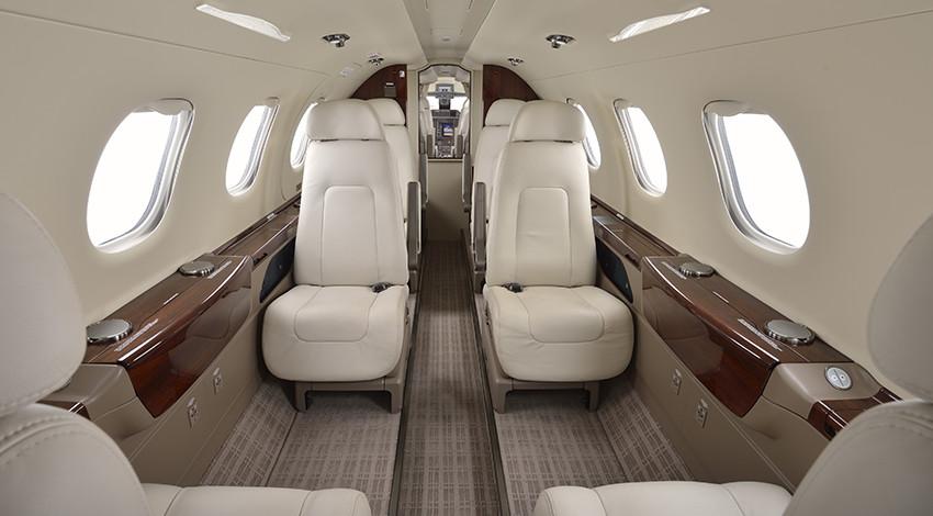 Embraer Phenom 300 заказ джета компании Privatejetbooking т.+74957773809