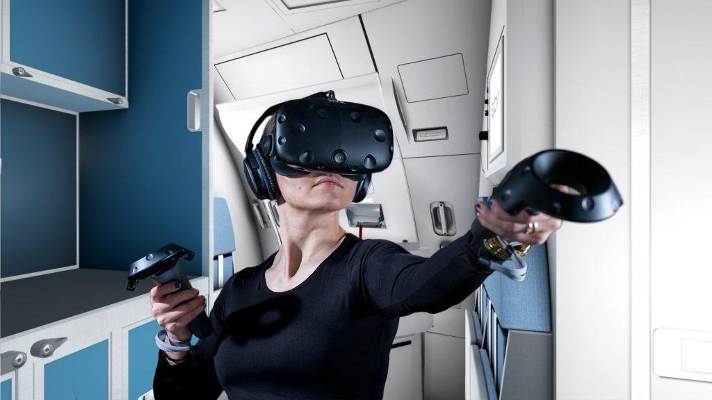 Внутри павильона Bombardier установили VR-station