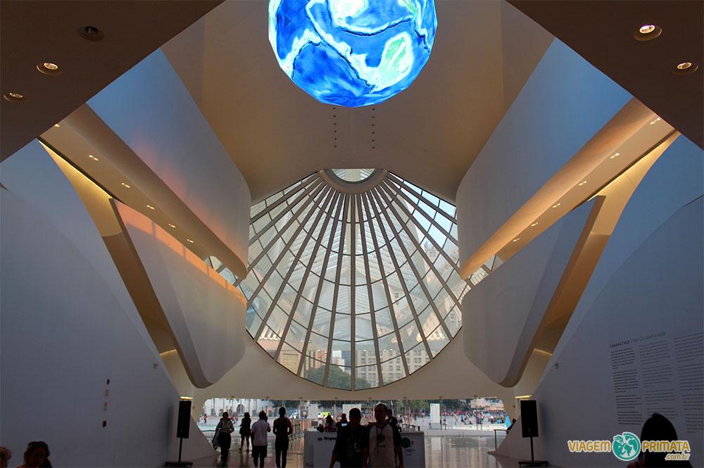 Museu do Amanha: Здание музея построено в рамках подготовки к Олимпийским игр 2016 года и вошло в крупный проект регенерации портовой территории Porto Maravilha