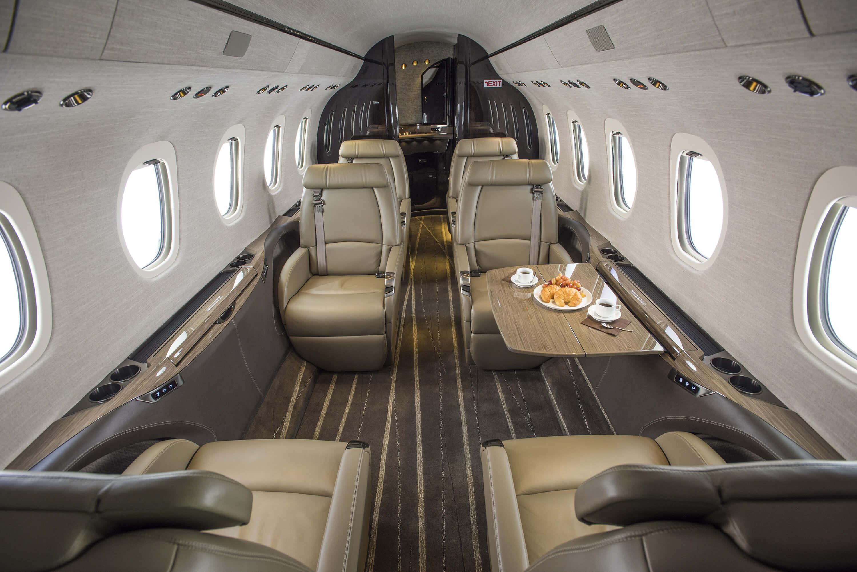 Высота салона Cessna Citation Latitude 183 см, ширина 196 см, длина 6,63 см.