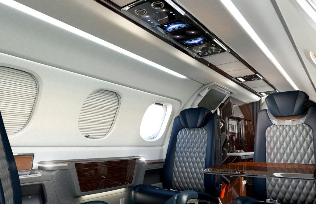 В четверг 29 марта 2018 года, компания Embraer Executive Jets поставила клиенту первый Embraer Phenom 300E с полностью обновленным салоном